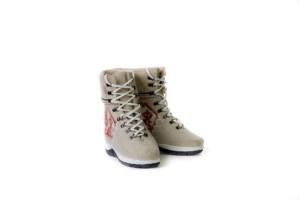 теплые ботинки